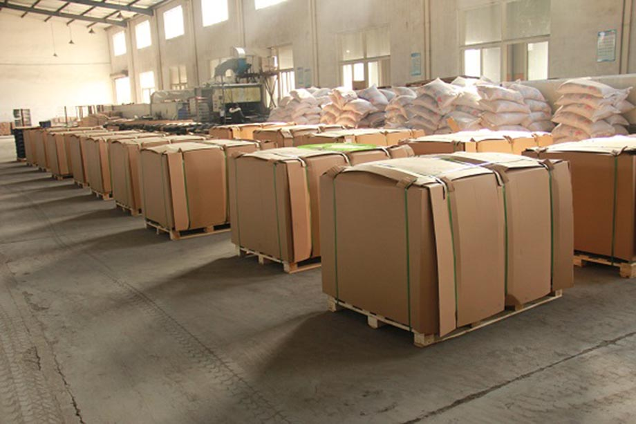 color stone coated roof tile Packing (2).jpg
